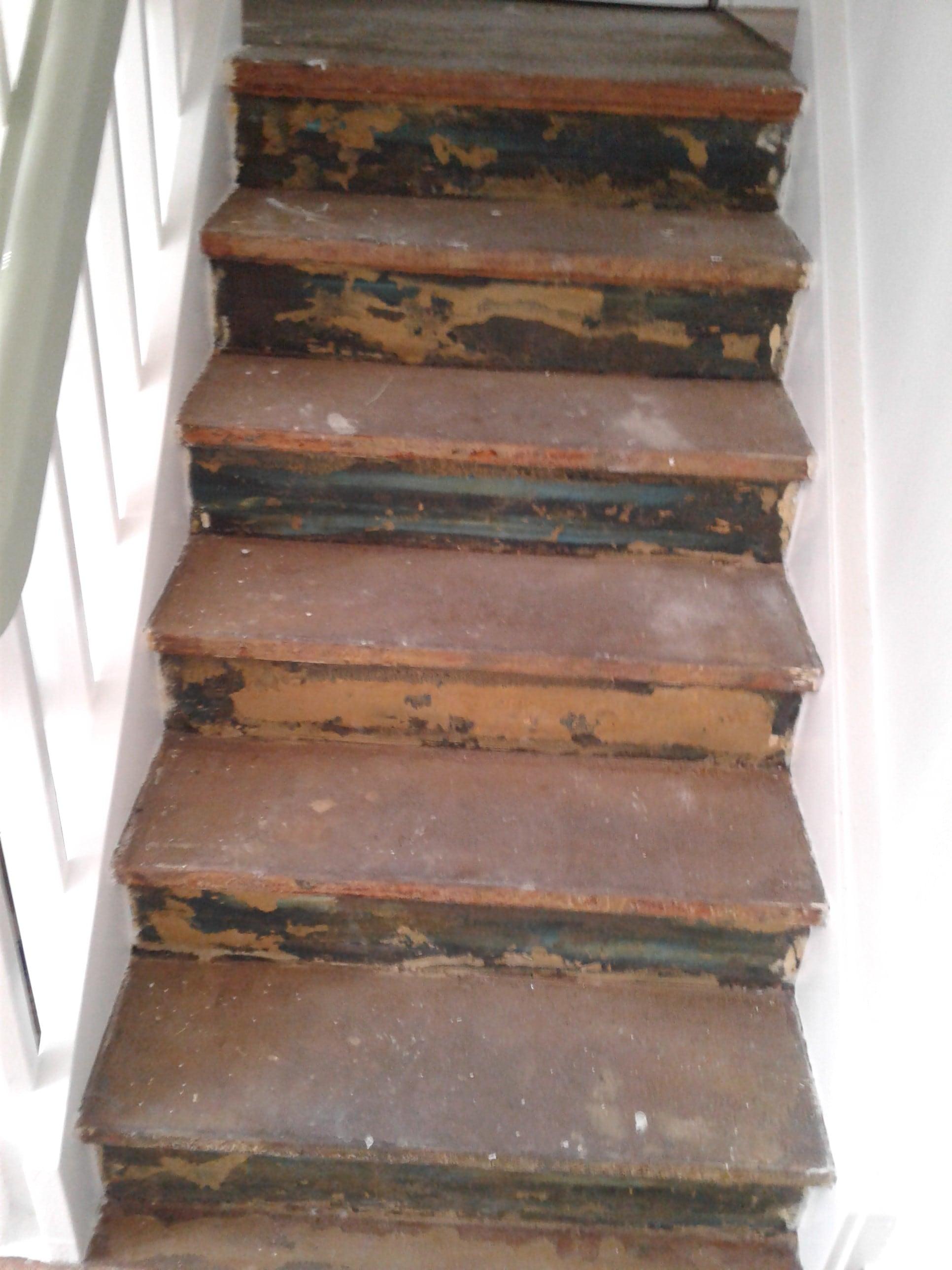 Vorbereitungen für Designbelag auf Treppe