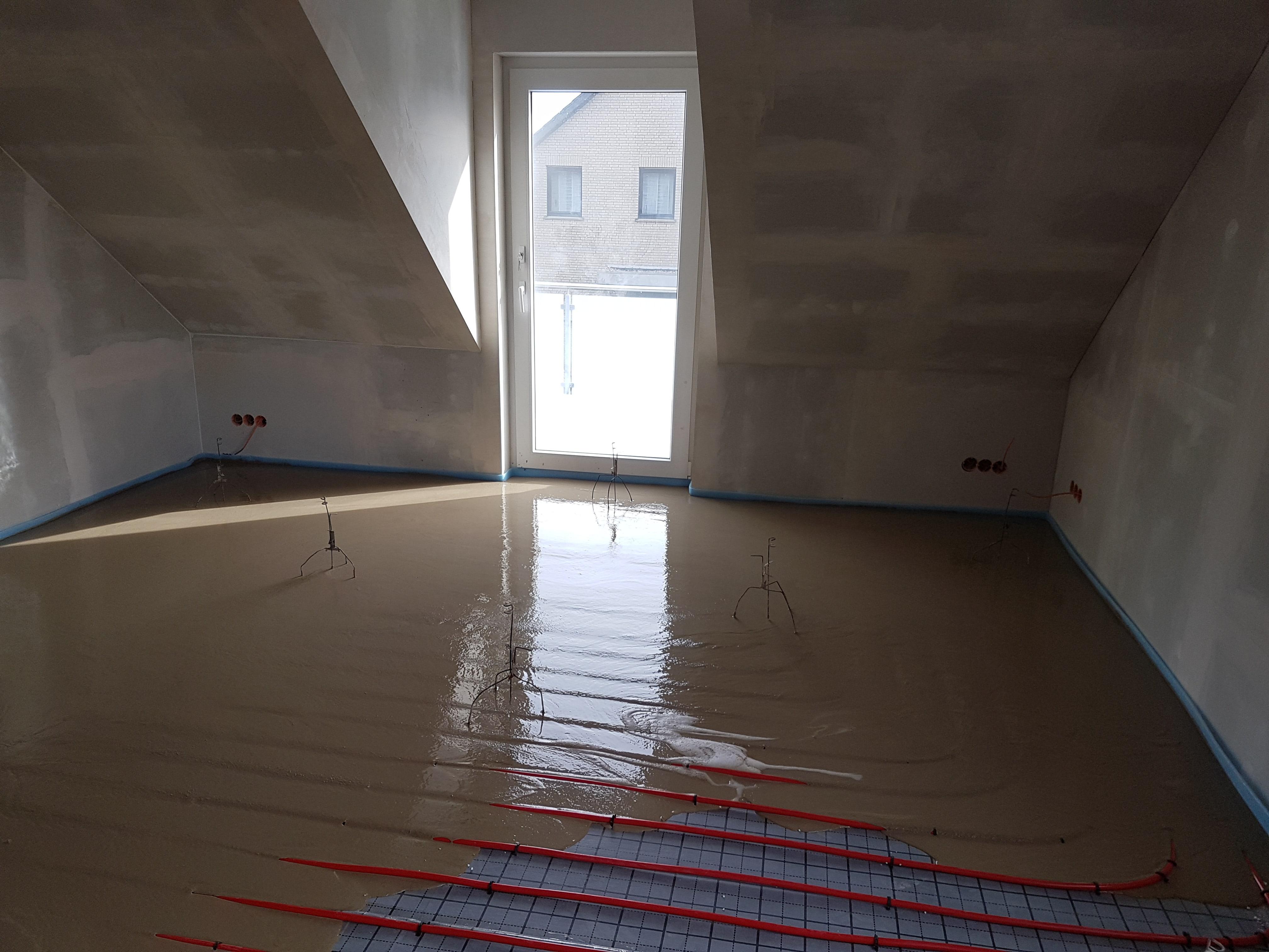 Anydritfließestrich auf Fußbodenheizung (3)